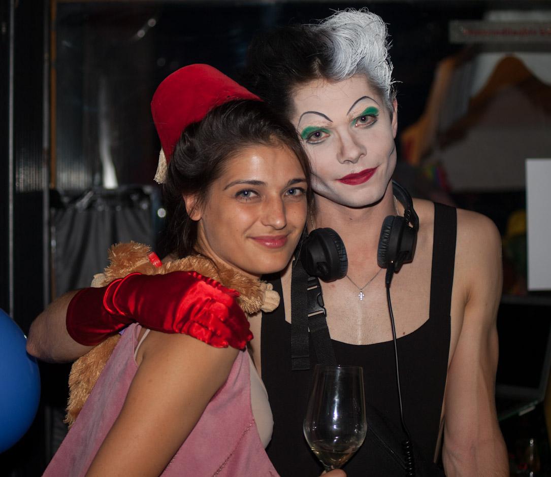 Costume Party Animation Obligation Yart Bar